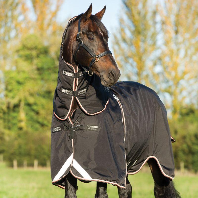 Couverture extérieur cheval Rambo Optimo Turnout 400g avec couvre-cou Horseware - Le Paturon