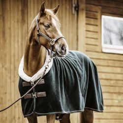 Couverture polaire Show Rug Heavy Kentucky Horsewear vert sapin - Le Paturon