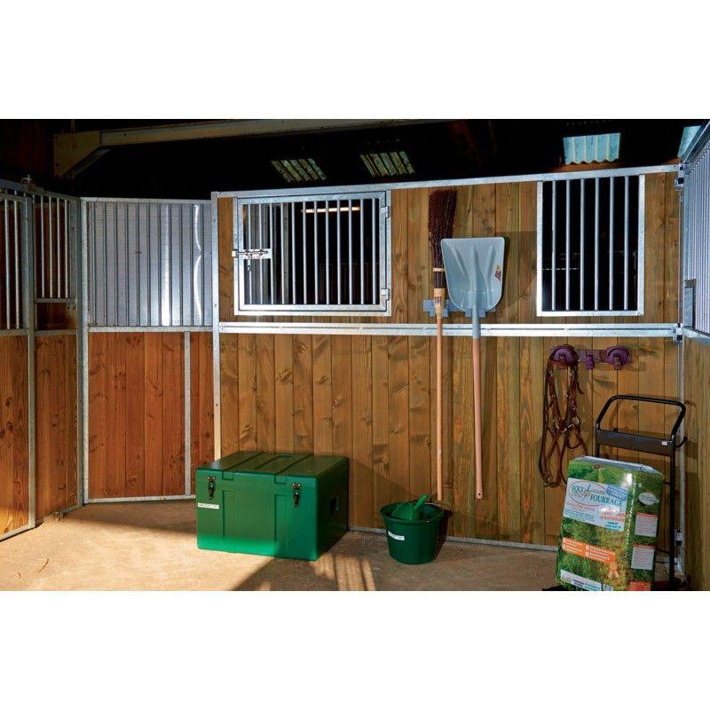 Fenêtre ouvrante barreaudée box cheval La Gée - Le Paturon